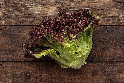 Thumb 400 various farms organic red leaf lettuce head